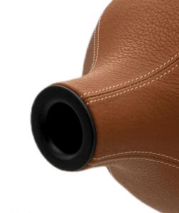 Iris sur-mesure Le XV cuir cognac detail 1